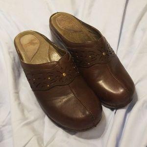 Dansko Women's Shoe's/Clogs
